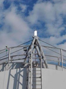 Köprüde yüksek yoğunluklu uçak ikaz lambaları